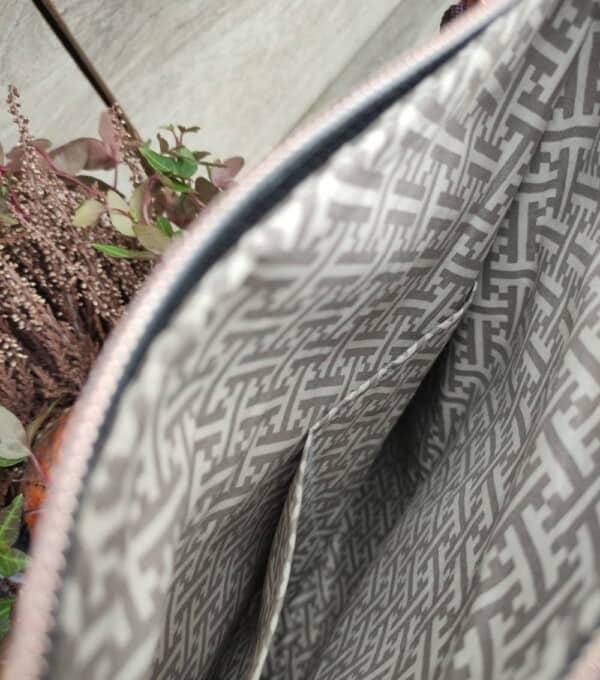 Panterprint cross body tas binnenkant