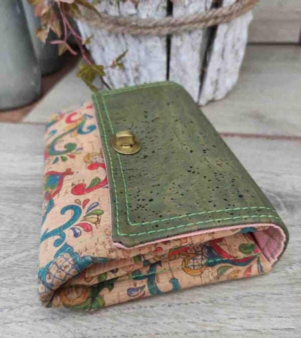 Kurk portemonnee klein maar groots aan de de binnenkant detail