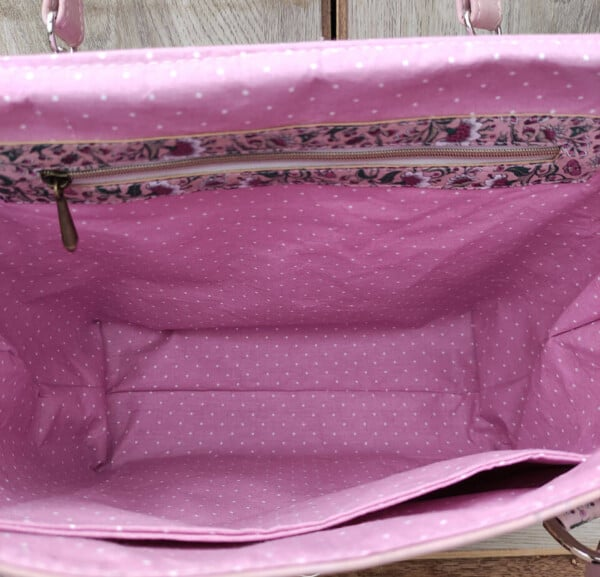 kurk schoudertas roze binnenkant